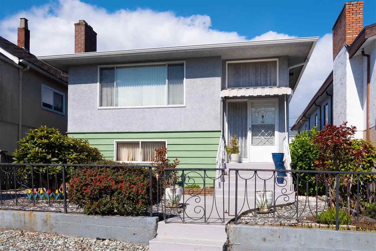 FEATURED LISTING: 4147 PARKER Street Burnaby