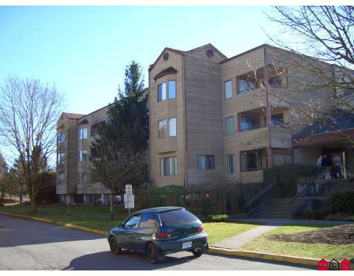 "Main Photo: 309 5224 204TH Street in Langley: Langley City Condo for sale in ""South Wynde Court"" : MLS®# F2804493"