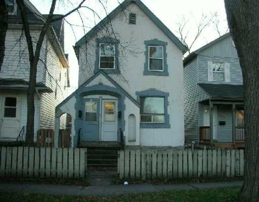 Main Photo: 388 St. John's Ave in Winnipeg: Residential for sale : MLS® # 2901309