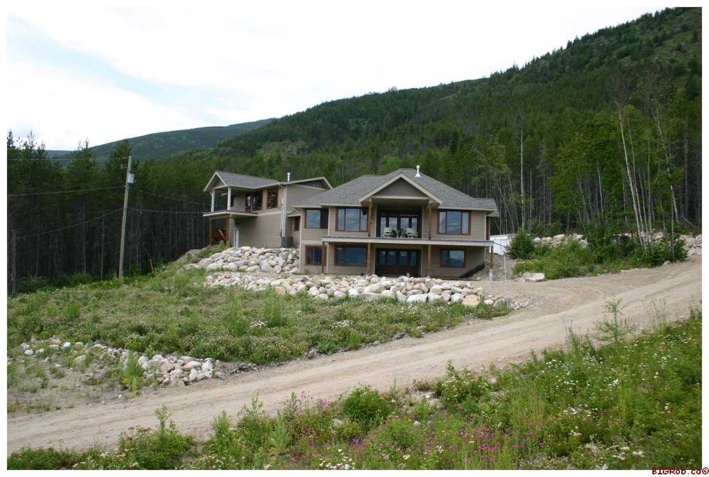 Main Photo: 4841 - 56th Street NW in Salmon Arm: Gleneden Residential Detached for sale : MLS® # 10031268