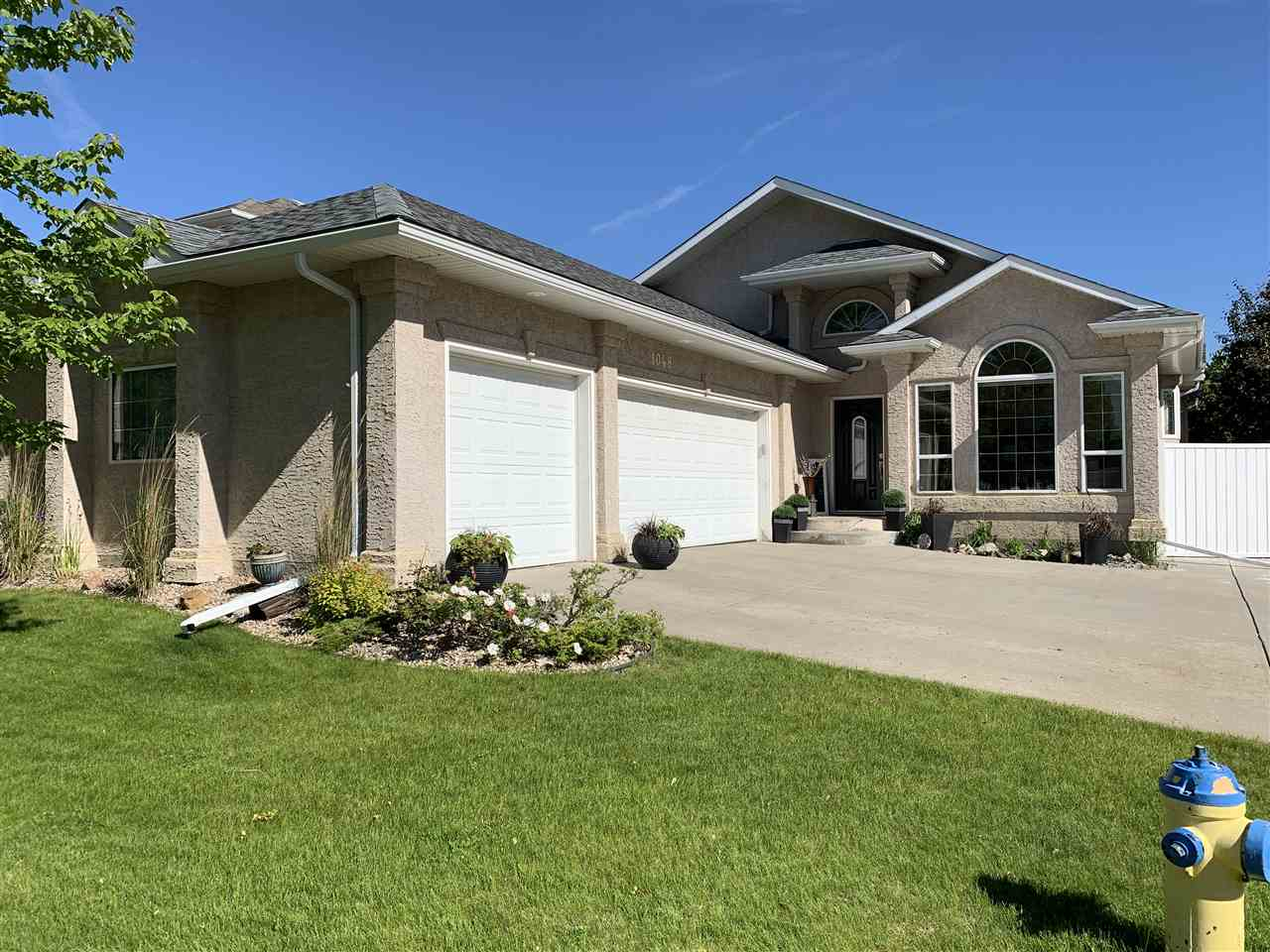 FEATURED LISTING: 1048 ORMSBY Crescent Edmonton