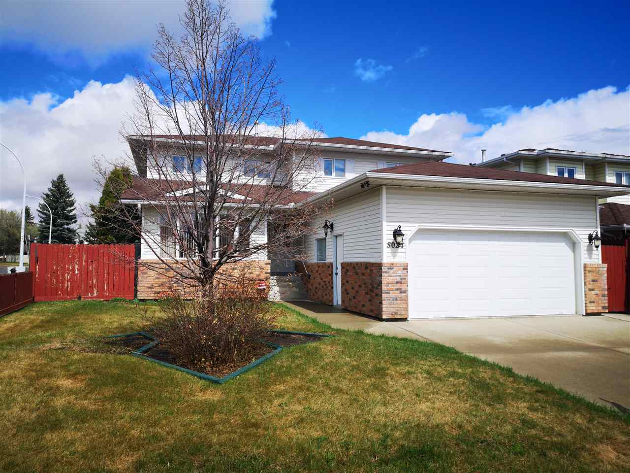 FEATURED LISTING: 5024 142 Avenue Edmonton