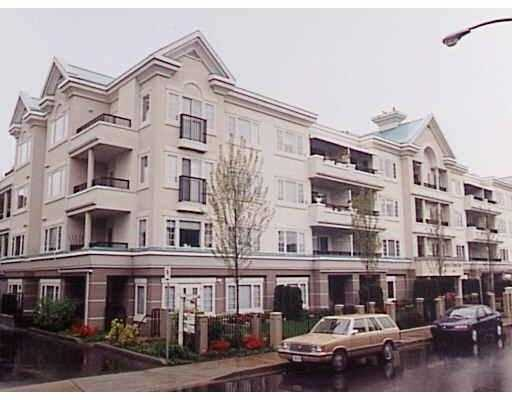 "Main Photo: 101 55 BLACKBERRY Drive in New Westminster: Fraserview NW Condo for sale in ""QUEENS PARK"" : MLS®# V641994"