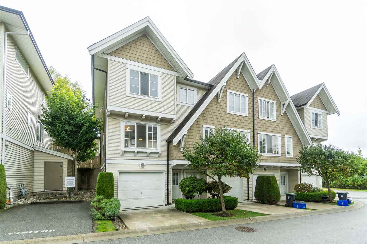 FEATURED LISTING: 33 - 20560 66 AVE Langley
