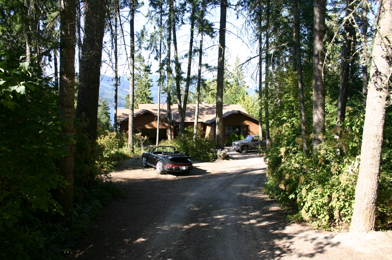 Main Photo: 1909 Blind Bay Road in Blind Bay: Waterfront Residential Detached for sale : MLS® # 9146065