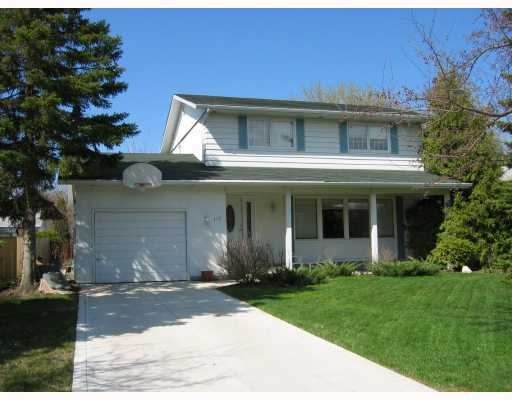 Main Photo: 115 Briar Cliff Bay in Winnipeg: Residential for sale : MLS® # 2808361