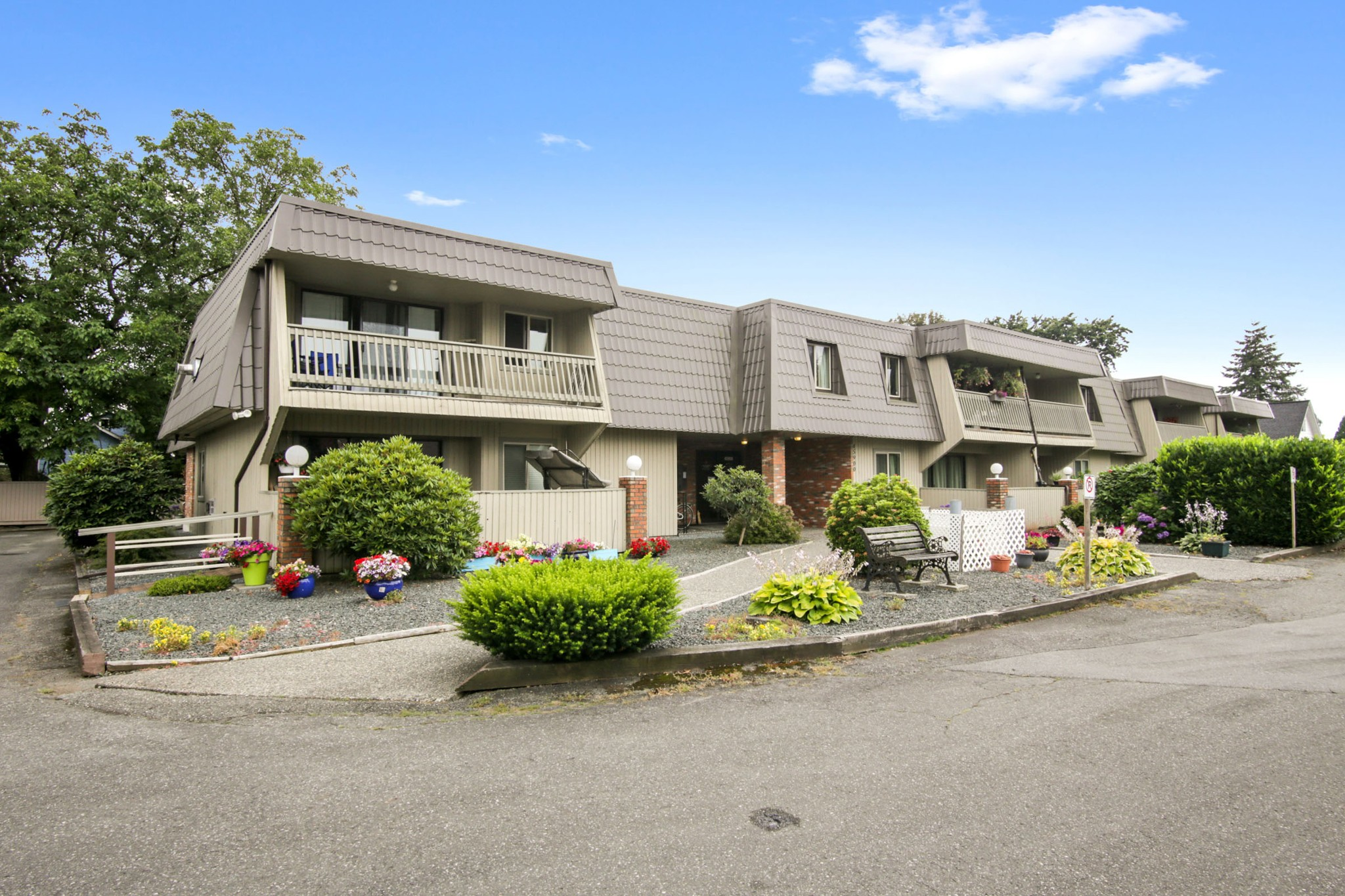 FEATURED LISTING: 108 - 45900 LEWIS Avenue Chilliwack