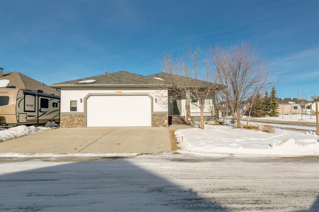 FEATURED LISTING: 320 Sunset Way Crossfield