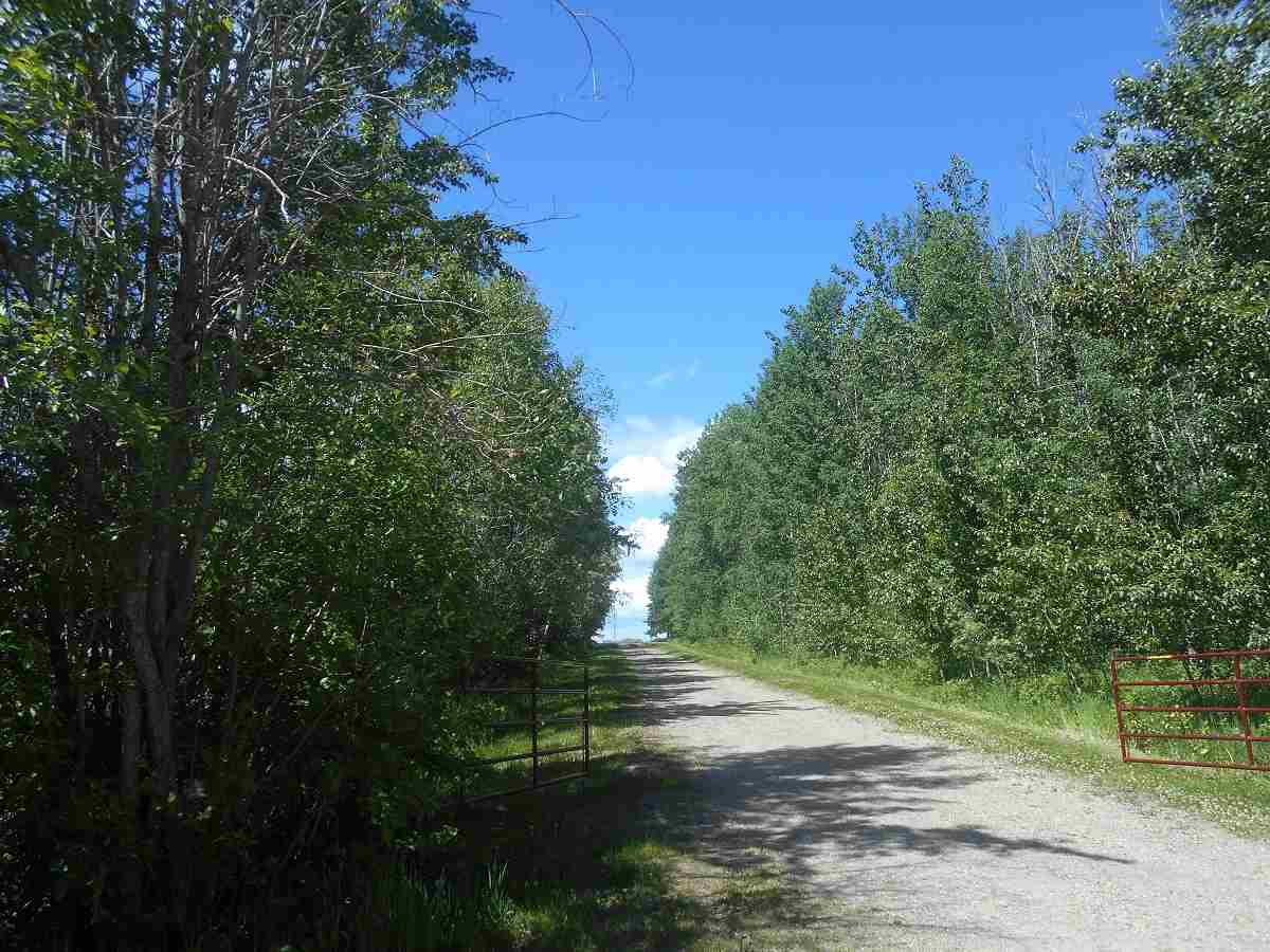 FEATURED LISTING: 49112 Range Road 73 Rural Brazeau County