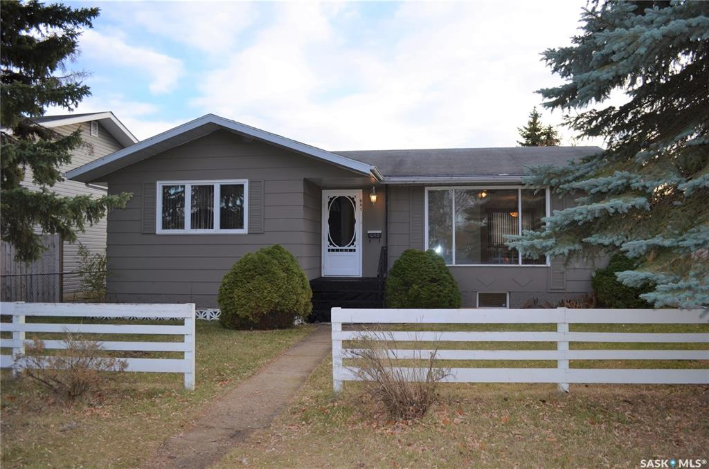 FEATURED LISTING: 641 5th Street East Prince Albert