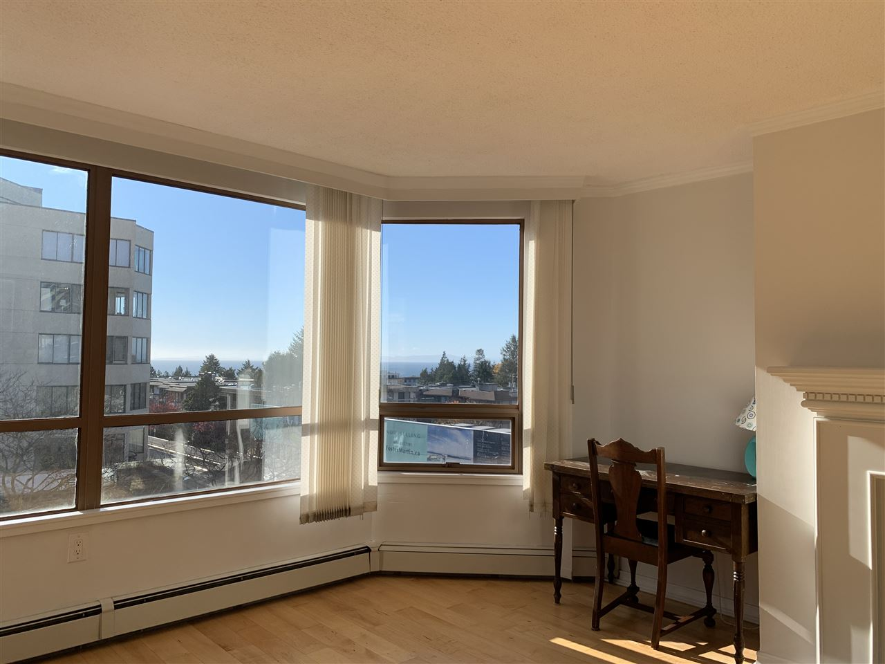 FEATURED LISTING: 405 - 15111 RUSSELL Avenue White Rock