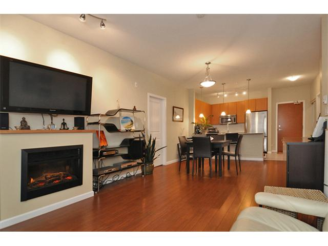 "Main Photo: 201 275 ROSS Drive in New Westminster: Fraserview NW Condo for sale in ""THE GROVE"" : MLS® # V863303"