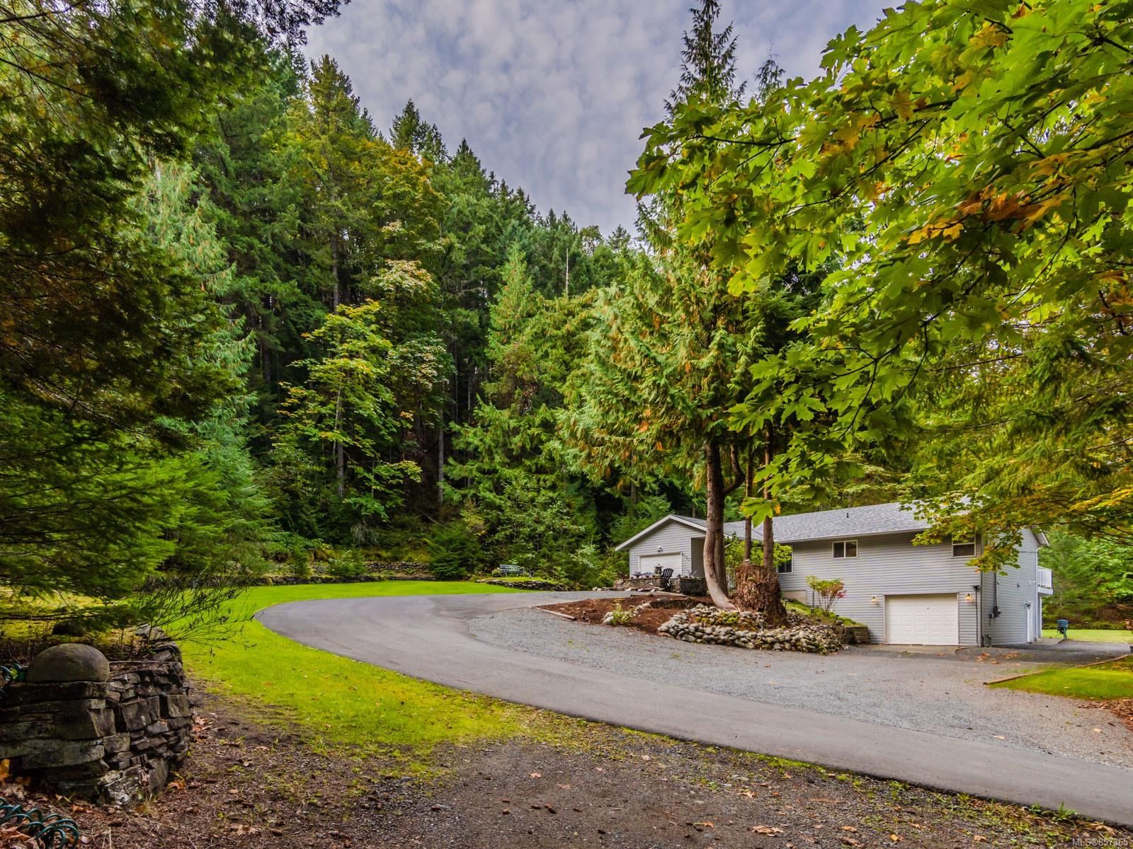 FEATURED LISTING: 8033 Sywash Ridge Rd