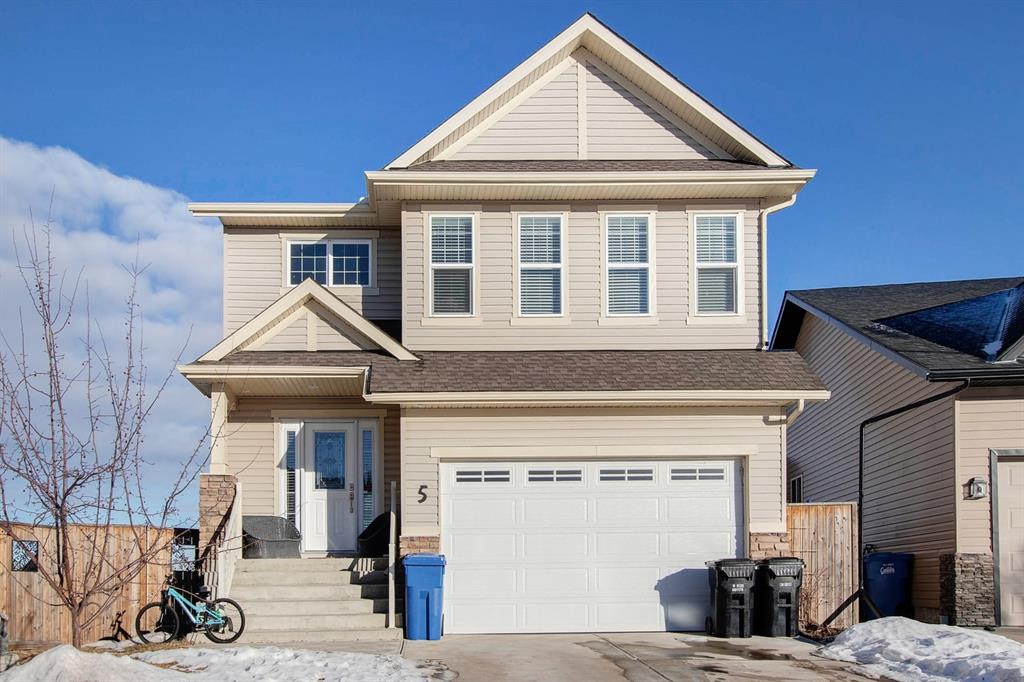 FEATURED LISTING: 5 Bondar Gate Carstairs