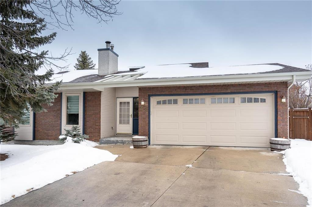 FEATURED LISTING: 22 Hallmark Point Winnipeg