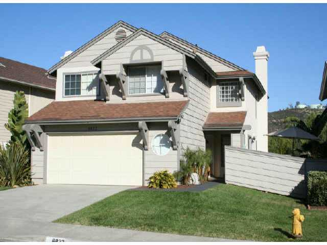 Main Photo: CARLSBAD SOUTH Residential for sale : 3 bedrooms : 6822 Xana Way in Carlsbad