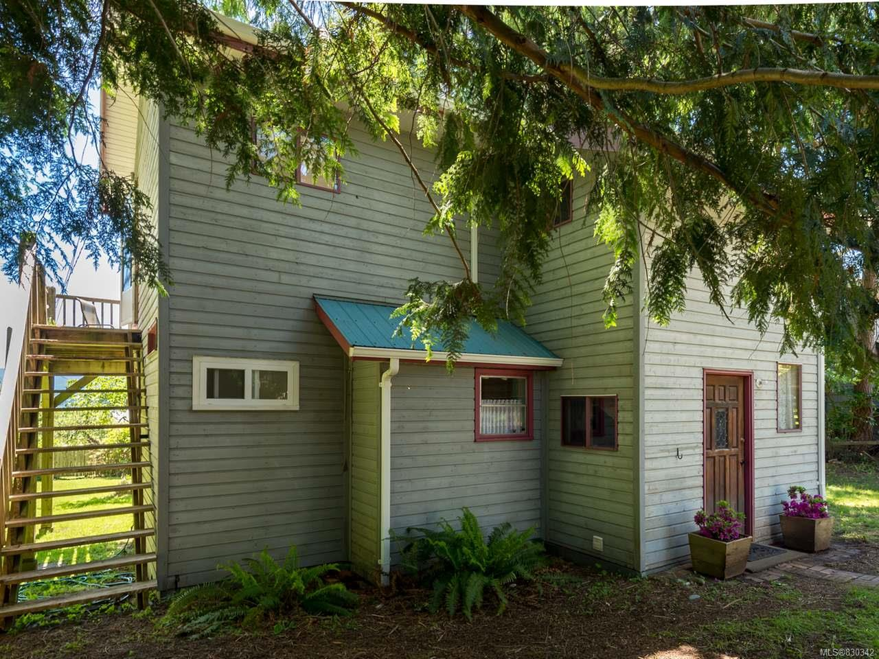 FEATURED LISTING: 1304 Midden Rd COMOX