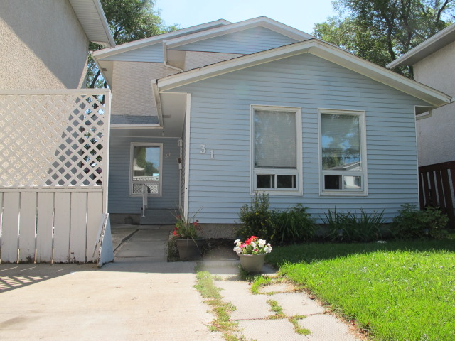 Main Photo:  in WINNIPEG: East Kildonan Residential for sale (North East Winnipeg)  : MLS® # 1016215