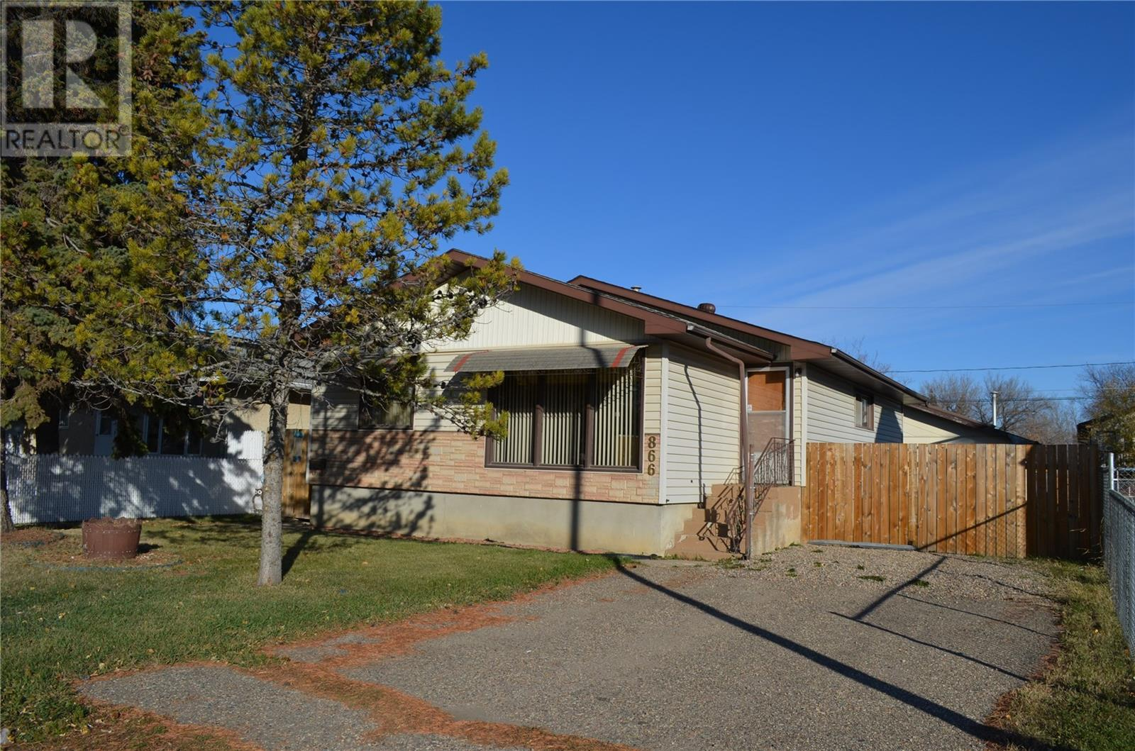 FEATURED LISTING: 866 16th ST W Prince Albert