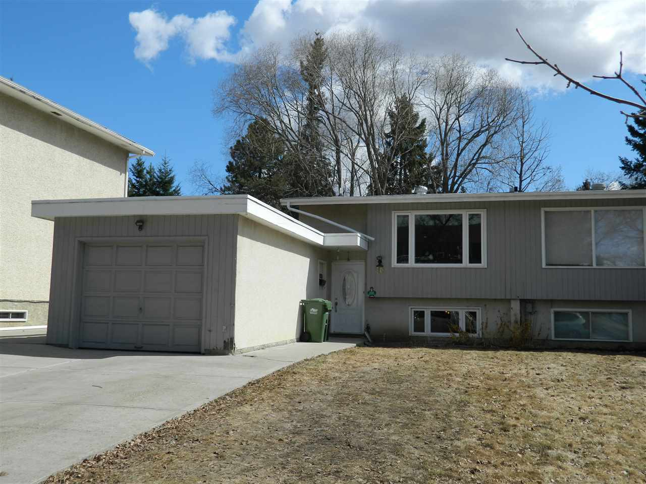 FEATURED LISTING: 10 Marion Crescent St. Albert
