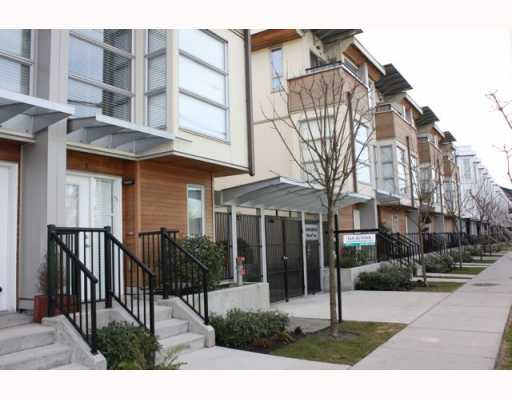 "Main Photo: 19 628 W 6TH Avenue in Vancouver: Fairview VW Condo for sale in ""STELLA DEL FIORO"" (Vancouver West)  : MLS® # V749867"