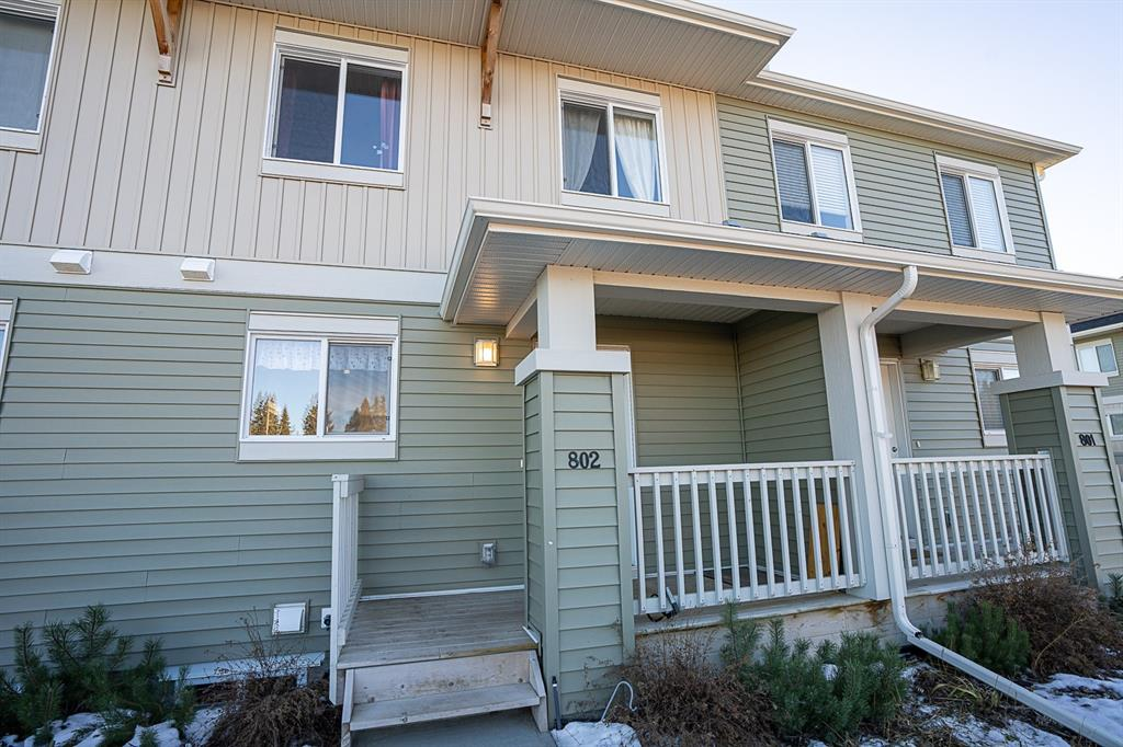 FEATURED LISTING: 802 Clover Road Carstairs