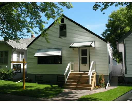 Main Photo:  in WINNIPEG: East Kildonan Residential for sale (North East Winnipeg)  : MLS®# 2809676