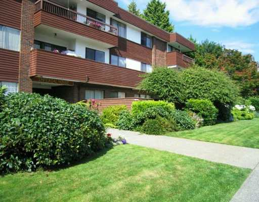 FEATURED LISTING: 306 - 122 17TH Street East North_Vancouver