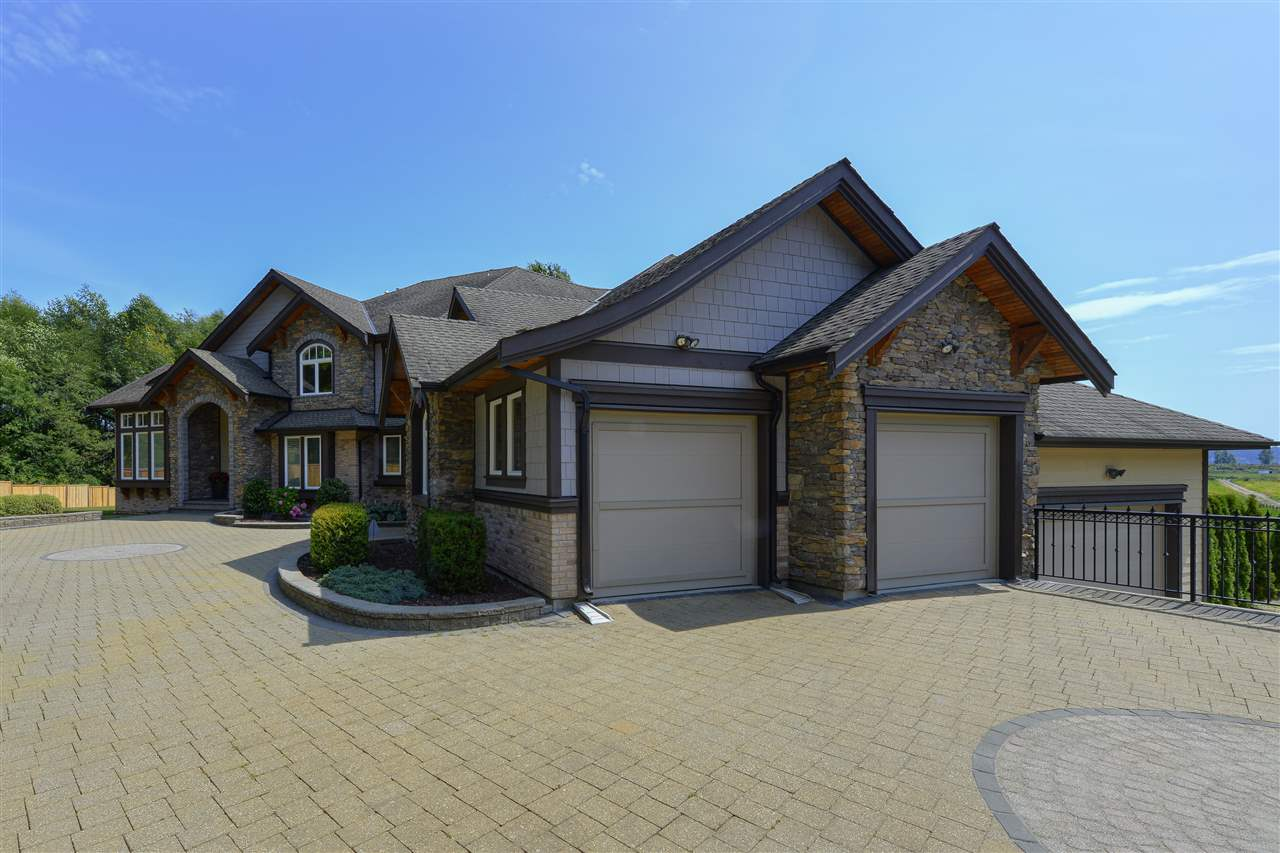 FEATURED LISTING: 12968 SOUTHRIDGE Drive Surrey