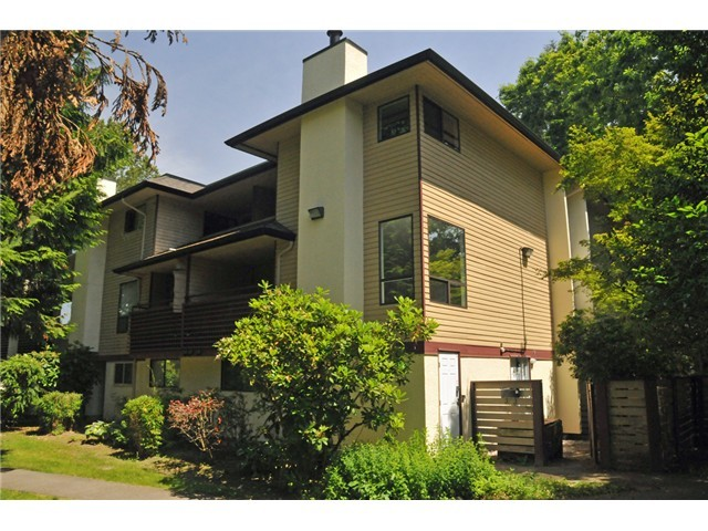 FEATURED LISTING: 14801 HOLLY PARK LN Surrey