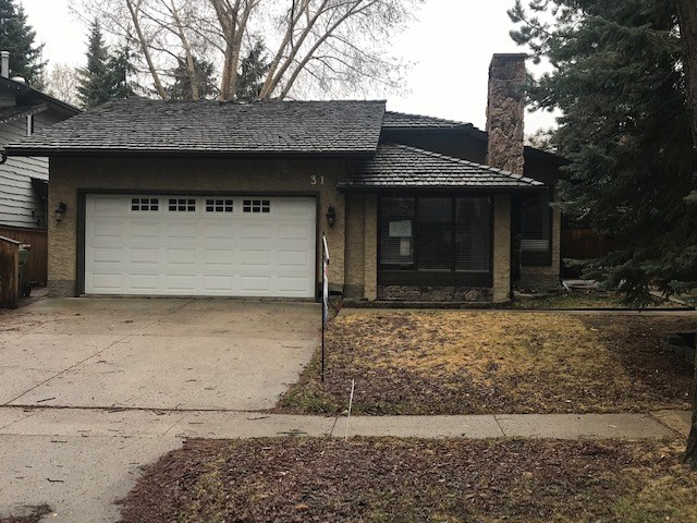 FEATURED LISTING: 31 BERRYMORE Drive St. Albert