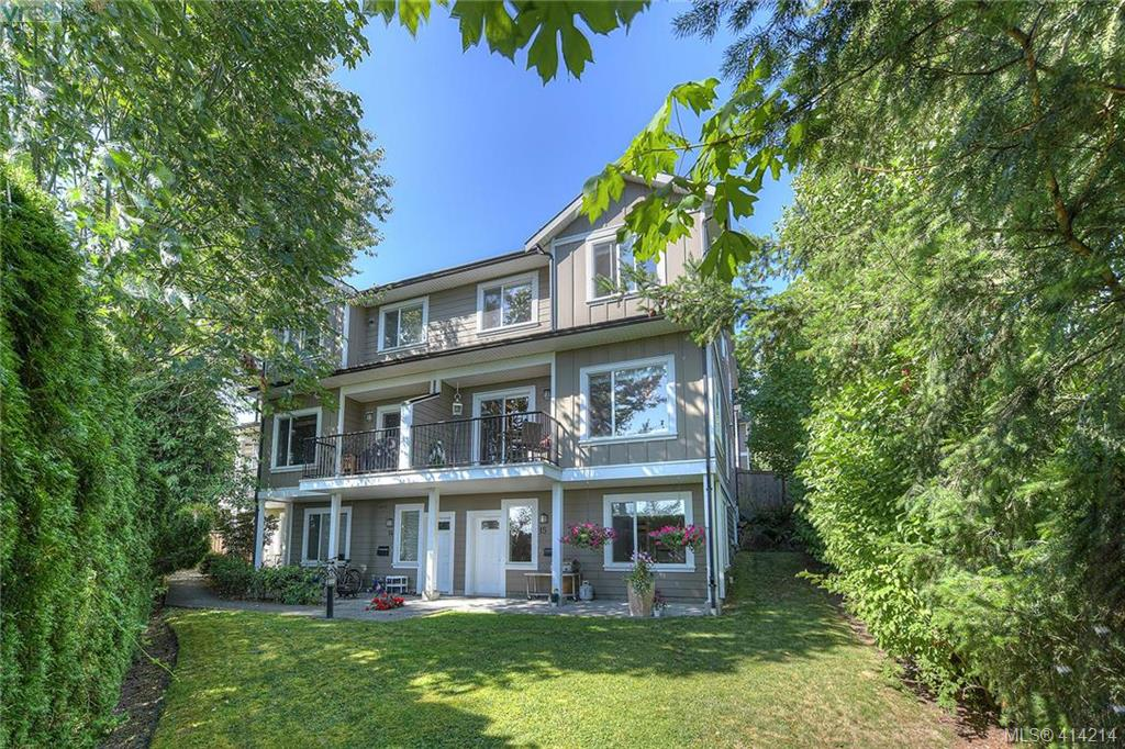 FEATURED LISTING: 11 6961 East Saanich Road SAANICHTON
