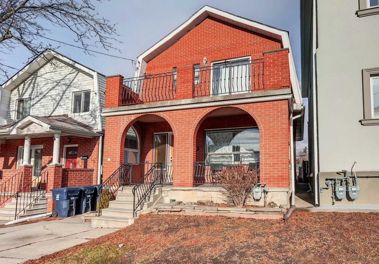 FEATURED LISTING: 36 Rowntree Avenue Toronto