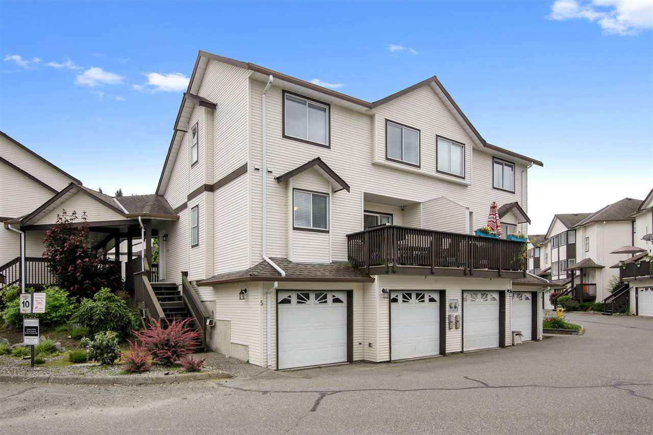 FEATURED LISTING: 5 - 45740 THOMAS Road Chilliwack