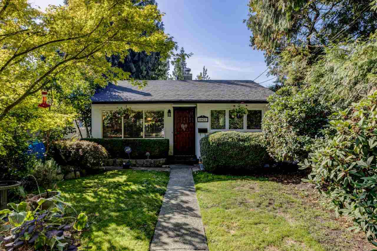 FEATURED LISTING: 1921 TATLOW Avenue North Vancouver