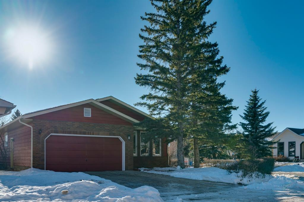 FEATURED LISTING: 3 Woodfern Drive Southwest Calgary