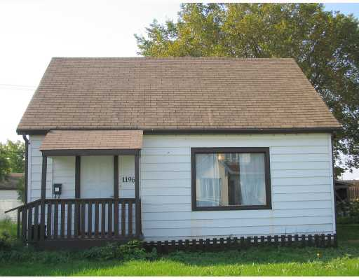 FEATURED LISTING: 1196 ALEXANDER Avenue WINNIPEG