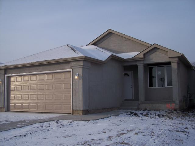 Main Photo: 162 HEARTSTONE Drive in WINNIPEG: Transcona Residential for sale (North East Winnipeg)  : MLS® # 2919379