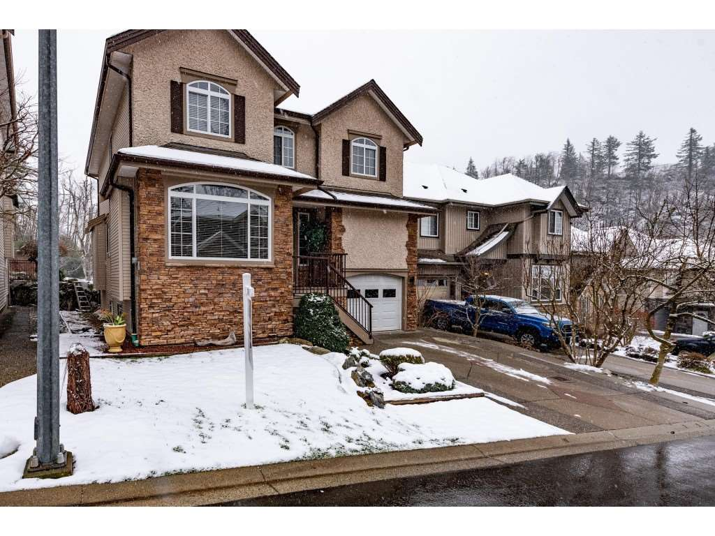 FEATURED LISTING: 10 33925 ARAKI Court Mission