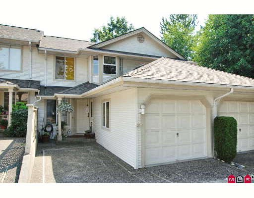 "Main Photo: 38 9045 WALNUT GROVE Drive in Langley: Walnut Grove Townhouse for sale in ""BRIDLEWOOD"" : MLS®# F2916191"