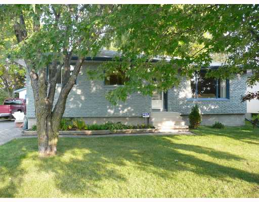Main Photo: 573 CATHCART Street in WINNIPEG: Charleswood Residential for sale (South Winnipeg)  : MLS®# 2818151