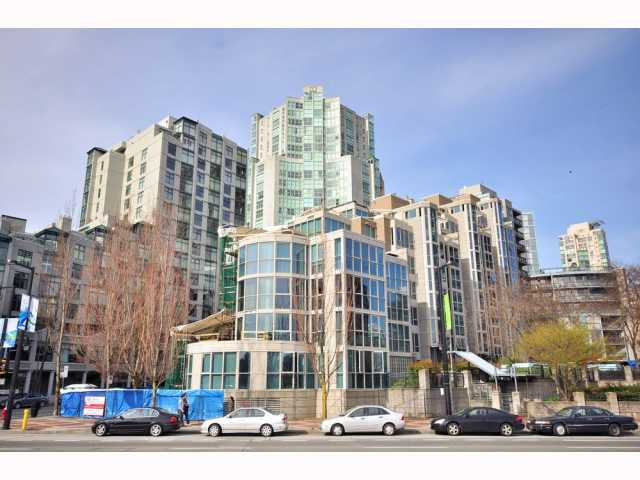 "Main Photo: 203 1318 HOMER Street in Vancouver: Downtown VW Condo for sale in ""GOVERNOR'S VILLA"" (Vancouver West)  : MLS® # V817450"