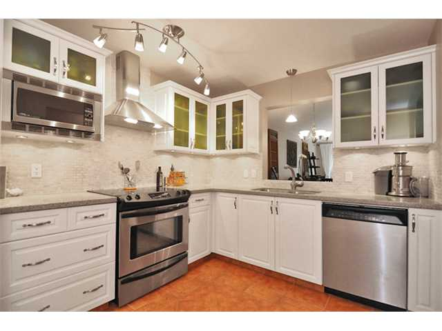 "Main Photo: 310 6860 RUMBLE Street in Burnaby: South Slope Condo for sale in ""GOVERNOR'S WALK"" (Burnaby South)  : MLS®# V863998"