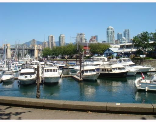 "Photo 7: 304 1502 ISLAND PARK Walk in Vancouver: False Creek Condo for sale in ""THE LAGOONS"" (Vancouver West)  : MLS® # V775905"