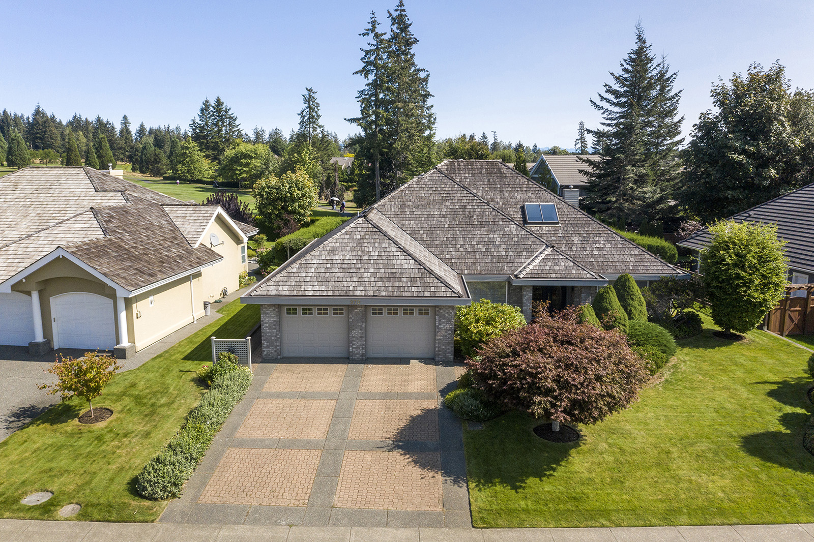 FEATURED LISTING: 970 Crown Isle Dr