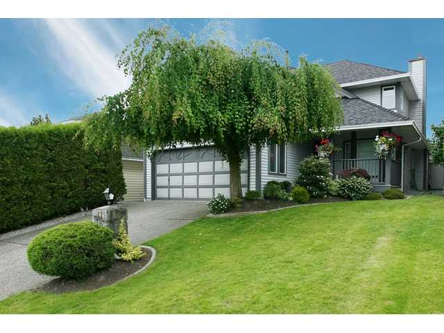 "Main Photo: 636 LOST LAKE Drive in Coquitlam: Coquitlam East House for sale in ""RIVERVIEW HEIGHTS/WESTLAKE"" : MLS®# V840453"