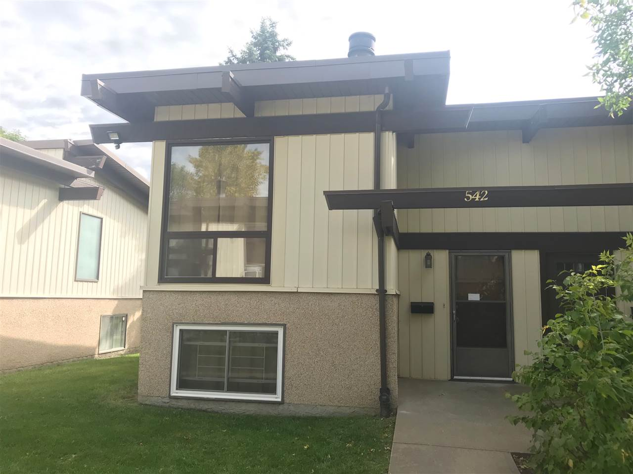 FEATURED LISTING: 542 LEE_RIDGE Road Edmonton
