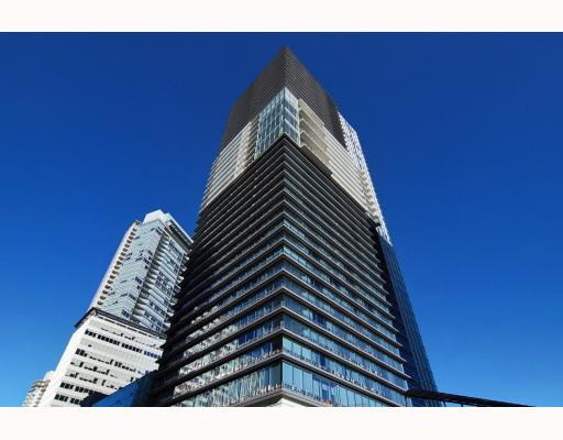 "Main Photo: 2906 1011 W CORDOVA Street in Vancouver: Coal Harbour Condo for sale in ""Fairmont Pacific Rim"" (Vancouver West)  : MLS®# V811000"
