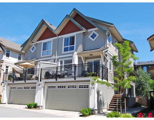 "Main Photo: 19 20120 68TH Avenue in Langley: Willoughby Heights Townhouse for sale in ""THE OAKS"" : MLS®# F2819871"