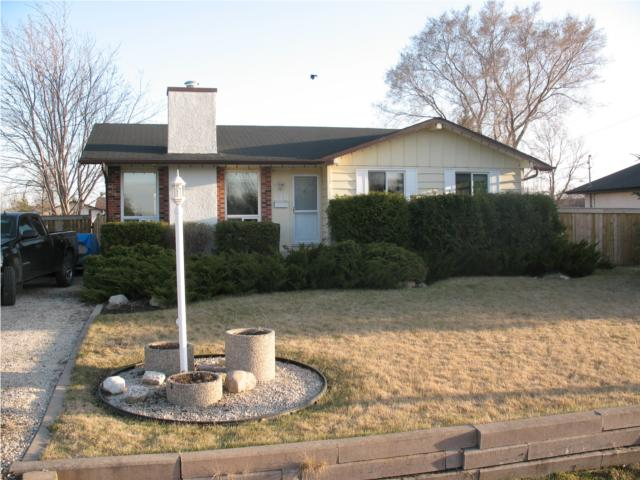 Main Photo:  in OAKBANK: Anola / Dugald / Hazelridge / Oakbank / Vivian Residential for sale (Winnipeg area)  : MLS® # 1007281
